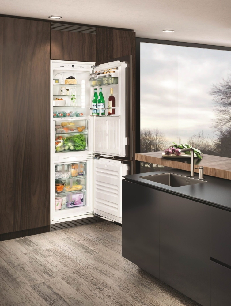 Холодильник LIEBHERR ICBN 3386 Premium BioFresh NoFrost - 3